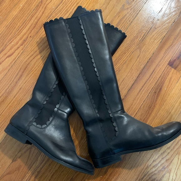 ❄️Kate Spade Scallop Boots in Black